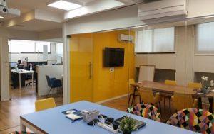 להשכרה משרד בבניין קטן
