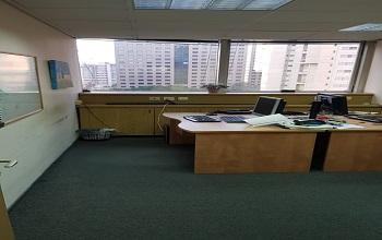 להשכרה משרד בבניין חגג
